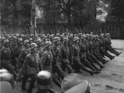 1939 Germany Marches On